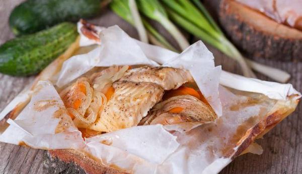 Палтус, запечённый с овощами в пергаменте - Любимые рецепты