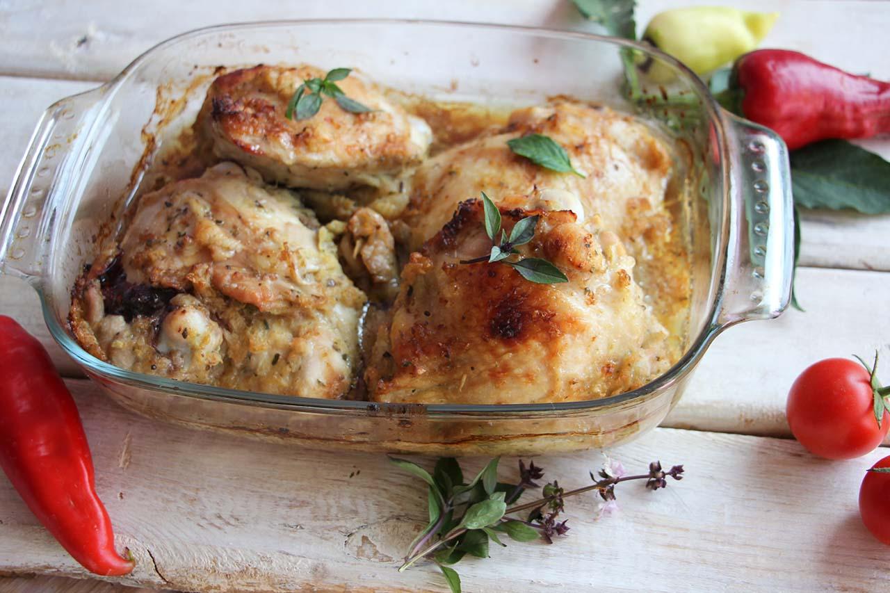Куриные бедра в луковом маринаде