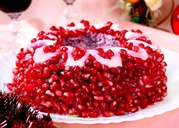 """Салат """"Гранатовый браслет"""". Рецепт к Новогоднему столу"""