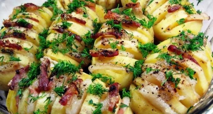 Такое и гостям подать не стыдно! Картошка – гармошка в духовке: вкусный и сытный ужин