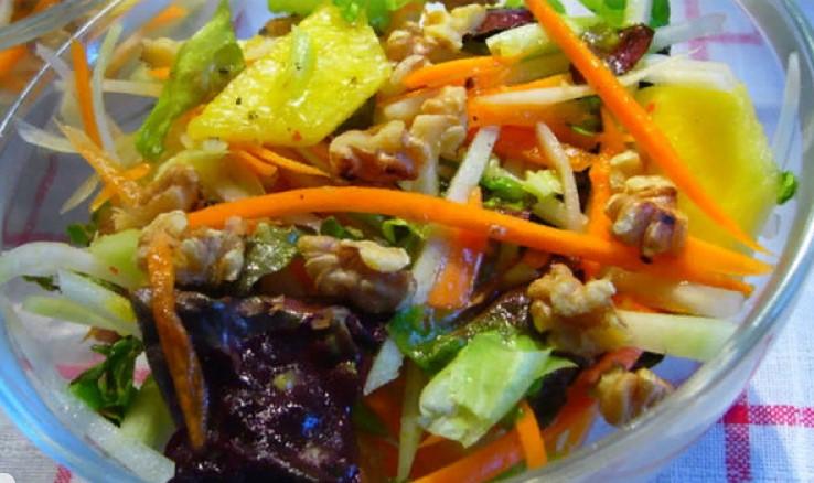 ТОП-10 рецептов салатов и закусок по-корейски
