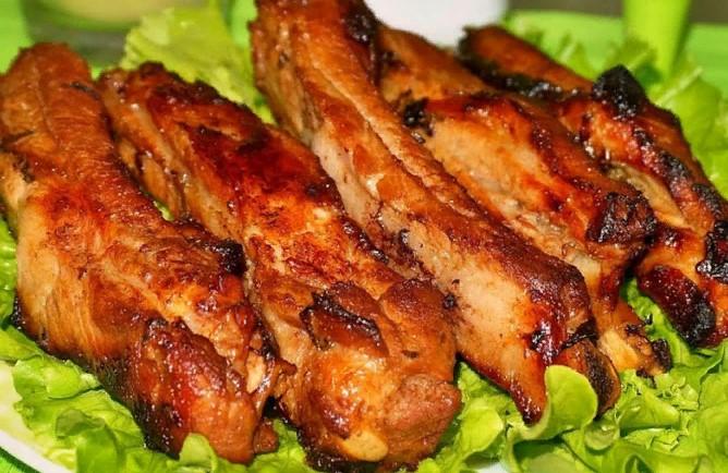 Очень вкусное мясо в духовке: все дело в особом маринаде