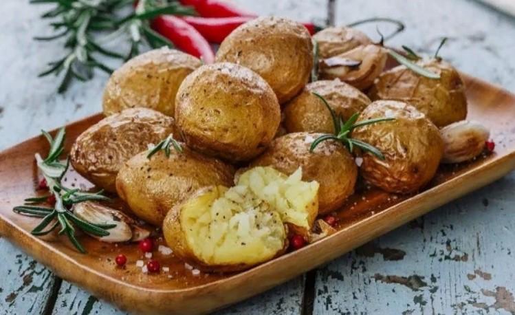 Варю картошку на ужин всего за 7 минут. делюсь лайфхаком!