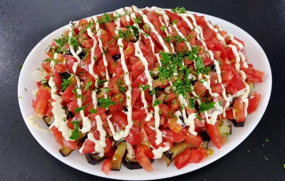 Очень модный и очень вкусный салат из баклажанов