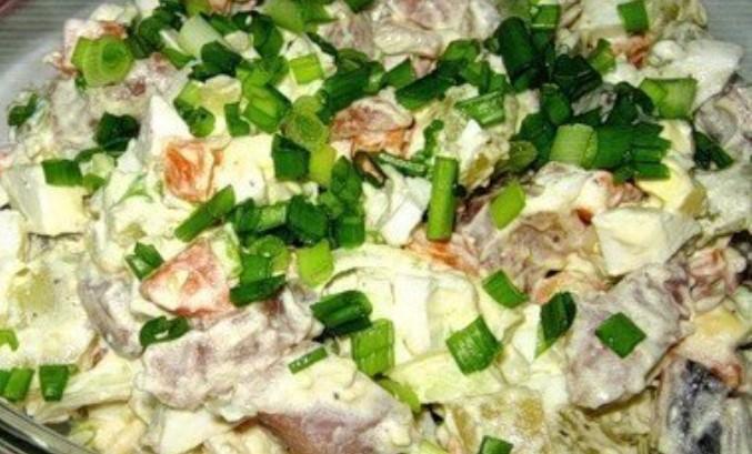 """Вкусный праздничный салат """"Прибой"""". Муж  использует этот салат как намазку на бутерброд."""