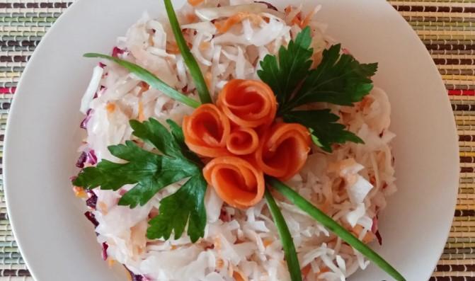 Зимний овощной салат «50 рублей». Простой и вкусный. Постоянно готовлю зимой (а если у вас свои овощи, то и дешевле получается)