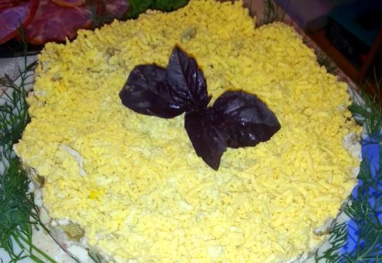 Слоеный салат с баклажанами. Очень гармоничный вкус